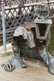 黑鬼魂被镀青铜的雕塑由Svajunas Jurkus a设计了 库存照片