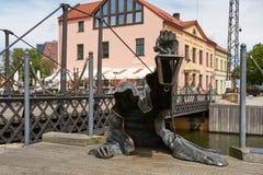 黑鬼魂被镀青铜的雕塑由Svajunas Jurkus a设计了 库存图片