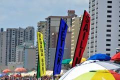 默特尔海滩可利用海滩的娱乐 免版税库存照片