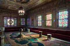 默罕默德阿里王子Manial宫殿  有华丽木墙壁和天花板的,开罗,埃及叙利亚人霍尔 库存照片