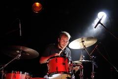 鼓手Tomas Barfod, WhoMadeWho 免版税库存照片