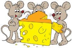 鼠标和干酪 免版税库存照片