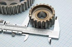 齿轮和轮尺 免版税库存图片