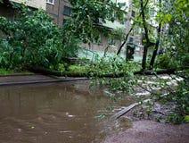 龙卷风在市米斯克,共和国白俄罗斯13 07 2016年 免版税库存照片