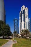 龙卷风塔,是一个偶象摩天大楼在多哈,卡塔尔 库存图片