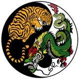 龙和老虎yin杨 免版税库存照片