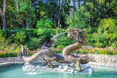 龙喷泉在Butchart庭院里 免版税库存照片