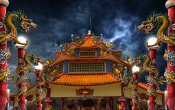 龙宫殿闪电风暴 免版税库存照片