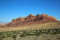 黑龙峡谷红色峭壁  免版税库存图片