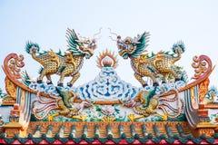 龙带头的独角兽雕塑  库存图片