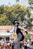 龙授以爵位steampunk高跷步行者 免版税库存照片