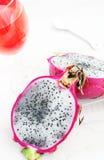 龙果子和热带饮料 库存图片