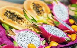龙果子或pitahaya的横断面 免版税库存图片