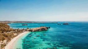 龙目岛-桃红色海滩口岸 免版税库存照片