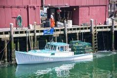 龙虾小船交付 库存图片