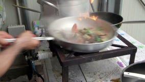 龙虾的准备用在平底锅的蕃茄 影视素材