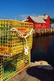 龙虾陷井控制Rockport, MA运作的港  库存图片