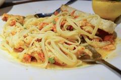 龙虾Scampi Linguini和伙计 图库摄影