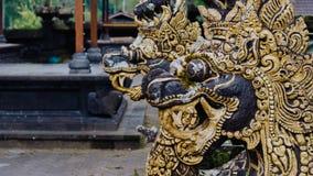 龙雕象在Pura Besakih寺庙的在巴厘岛,印度尼西亚 免版税库存图片