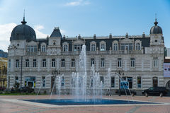 巴统,乔治亚- 2016年10月7日:用喷泉装饰的欧洲广场合奏, 5月26日在巴统 免版税库存图片