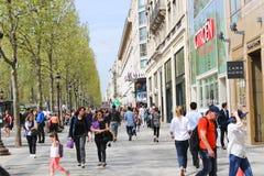 巴黎,冠军Elysee街道 免版税库存照片