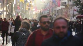 2017年,圣诞节,人们拥挤了,伊斯坦布尔istiklal街道,土耳其12月2016年, 影视素材
