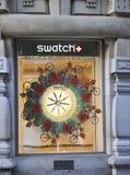巴黎,在窗口的威严的14手表设计在巴黎 库存图片