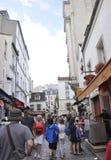 巴黎,威严的19,2013古老街道在蒙马特在巴黎 库存照片