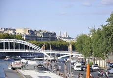 巴黎,威严的19,2013塞纳河桥梁在巴黎 免版税库存照片