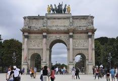 巴黎,威严的18,2013弧de Triomphe du转盘在巴黎 免版税图库摄影