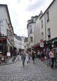 巴黎,威严的19,2013街道在蒙马特在巴黎 图库摄影