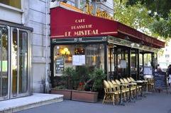 巴黎,威严15,2013 - Terrace Cafe Le Mistral在巴黎 免版税库存照片