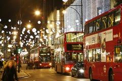 2013年,有圣诞节装饰的牛津街 库存照片