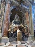 19 06 2017年,梵蒂冈:圣保罗` s大教堂内部 库存图片