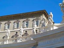 19 06 2017年,梵蒂冈:雕象和建筑细节在S 免版税图库摄影