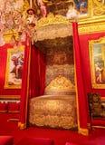 巴黎,法国, 2017年3月28日:在红色卧室在巴黎附近的凡尔赛宫 库存图片