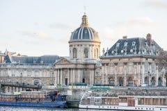 巴黎,法国, 2012年11月25日:巴黎都市风景和宫殿 法国 库存照片