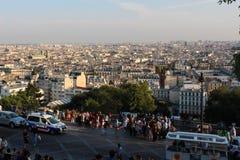 巴黎,法国, 2012年9月04日 Sacre-Coeur的游人在Mo 图库摄影