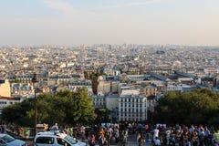 巴黎,法国, 2012年9月04日 Sacre-Coeur的游人 图库摄影