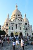 巴黎,法国, 2012年9月04日 Sacre-Coeur的游人 库存照片