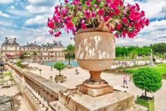 巴黎,法国- 2016年7月08日:卢森堡宫殿和公园Pa的 免版税图库摄影