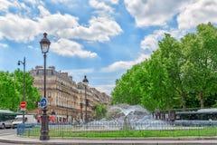 巴黎,法国- 2016年7月08日:在卢森堡附近的Fontaine Rostand 图库摄影