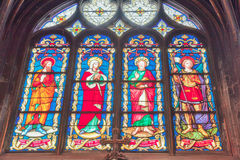 巴黎,法国- 2016年7月06日:在圣徒Germai里面的彩色玻璃 免版税库存照片