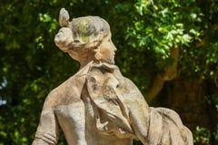 巴黎,法国- 2014年7月14日:在爱丽舍加尔德角的老雕象 免版税图库摄影