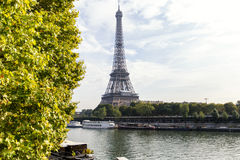 巴黎,法国- 2014年10月12日:埃佛尔铁塔在巴黎,法国 Ima 免版税图库摄影