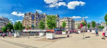 巴黎,法国- 2016年7月09日:城市视图其中一多数是 库存图片