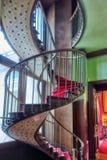 巴黎,法国- 2016年7月03日:螺旋形楼梯 公寓  库存图片