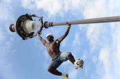 巴黎,法国- 2014年5月29日-足球运动员自由式, Iya特拉奥雷 库存图片