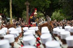 巴黎,法国- 2012年7月14日 骑马法语共和国卫队在每年军事游行参与 免版税库存图片