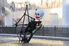 巴黎,法国2011年12月-17 :在庞毕度中心附近的斯特拉文斯基喷泉 图库摄影